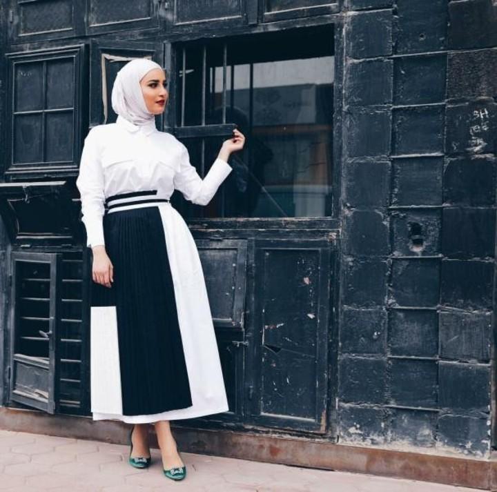 ملابس محجبات: موديلات تنانير طويلة موضة الموسم وطرق تنسيقها