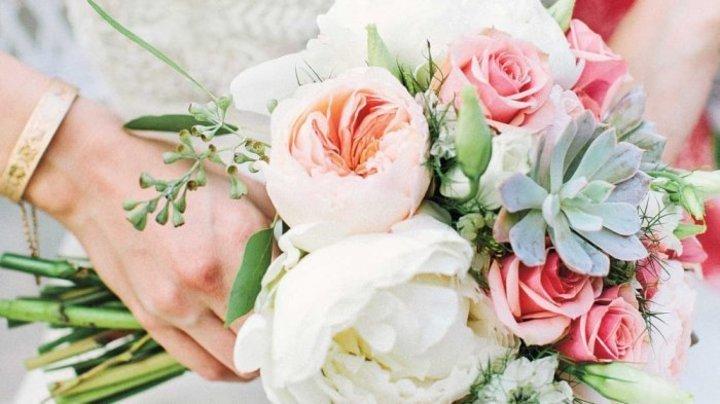 طرق اختيار باقات ورد الزفاف لكل عروس حسب برجها