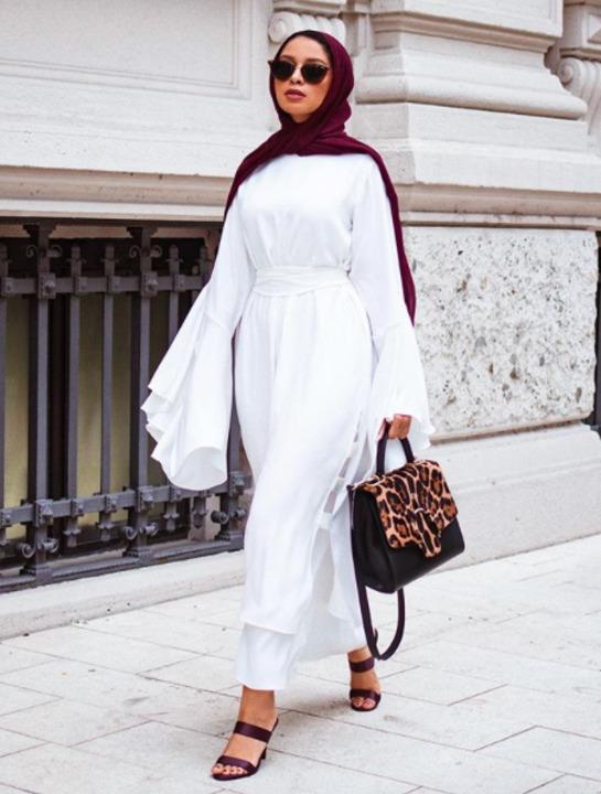 للمحجبات…اطلالاتك الخريفية بالفساتين الأنيقة من مدونات الموضة!