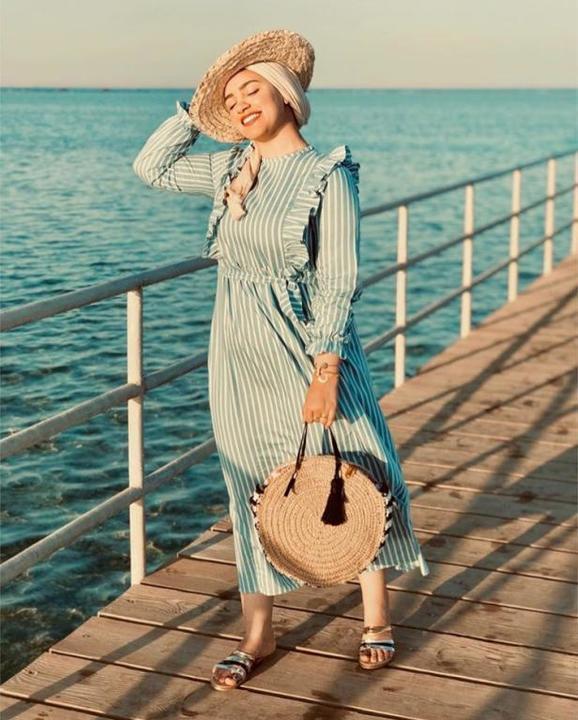 فساتين صيفية للمحجبات ارتديها على الشاطىء