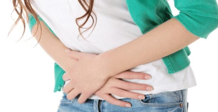 أعراض الإصابة بالإيدز عند السيدات عديدة منها صداع الرأس والسعال
