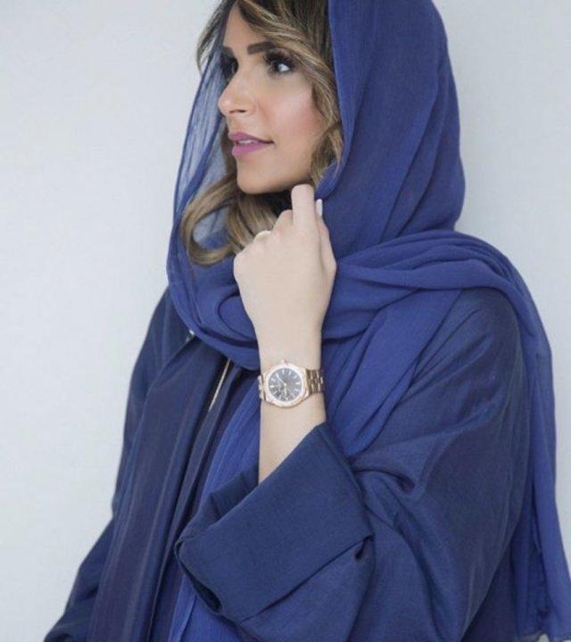 1769ed617bb56 أبرز اطلالات منسقة الأزياء السعودية هلا الحارثي بالعباية