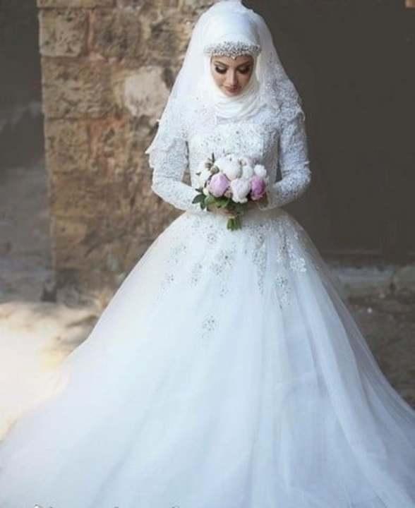 74314fb56f685 أجمل فساتين زفاف للمحجبات 2019