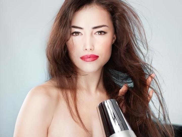 فوائد الحناء لعلاج مشاكل الشعر وافضل خلطاته