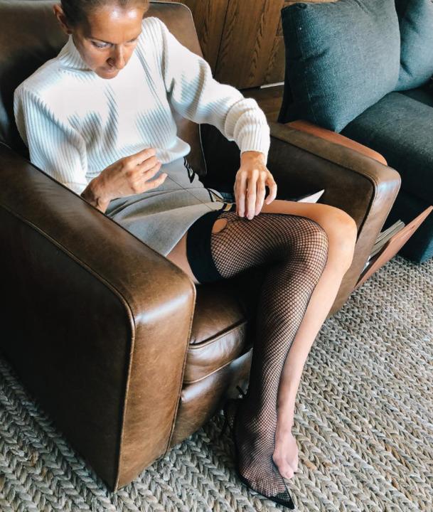 هكذا تتعامل سيلين ديون مع المواقف الحرجة في الأزياء