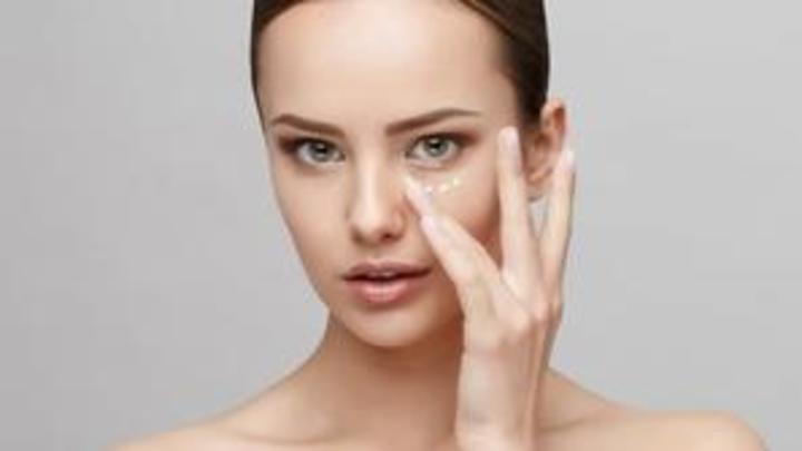 طرق طبيعية لإزالة الهالات السوداء تحت العين بسرعة