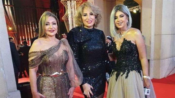 بـ فستان قصير لامع.. إيناس الدغيدي بإطلالة جذابة فى حفل افتتاح القاهرة السينمائي