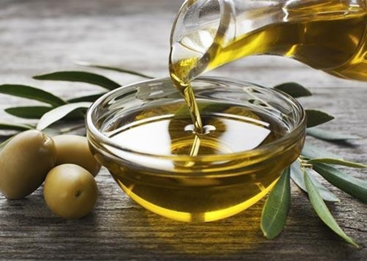 فوائد زيت حبة البركة لعلاج تساقط الشعر