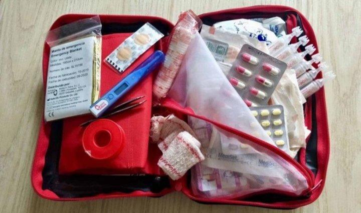 محتويات حقيبة الطوارئ الطبية لشهر العسل