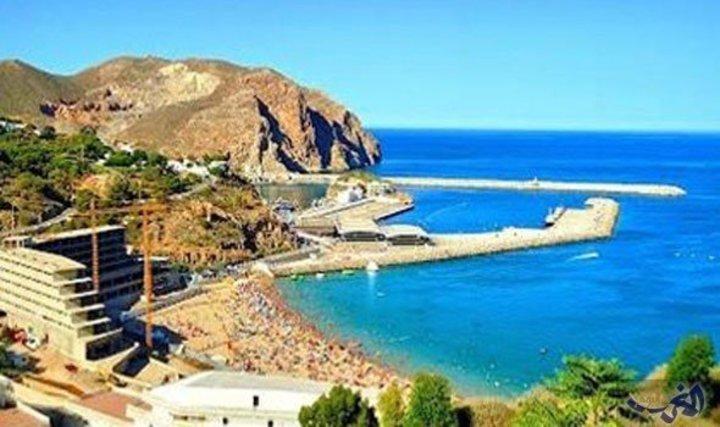 شواطئ الحسيمة المغربية وجهات سياحية تستهوي العديد من الزوار