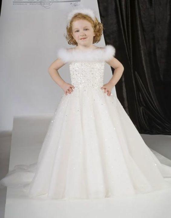 aadea2951e40f أحدث فساتين زفاف للأطفال 2019