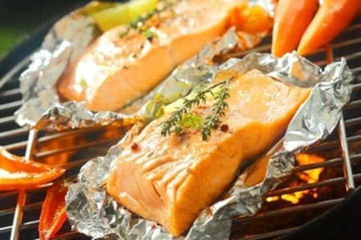 سمك السلمون يمنع الخرف و يساعد على التخسيس