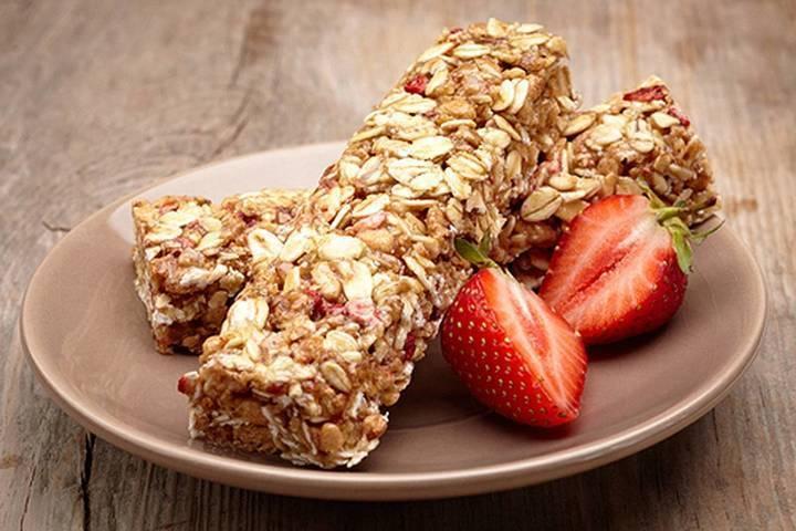 احذر من الأطعمة الخفيفة المصعنّة اليك هذه الوسائل للحدّ من تناول السكر