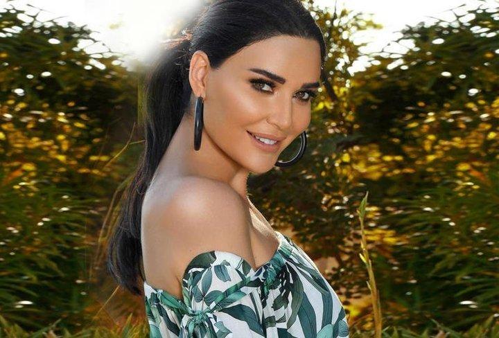 استوحي أزياءَك الصيفية من وحي النجمة سيرين عبد النور