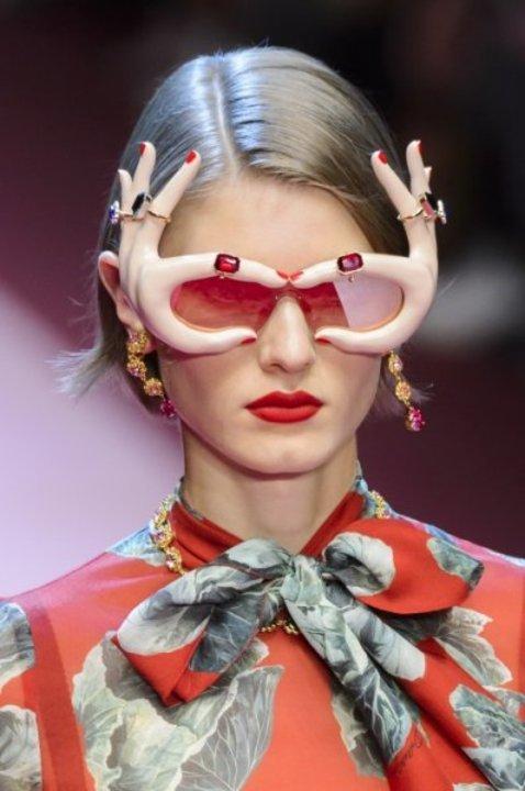 موديلات نظارات شمسية مزخرفة للرّبيع