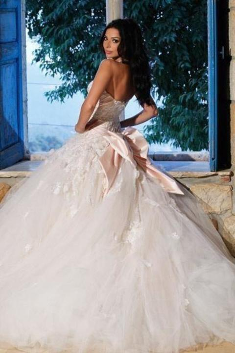 صور فساتين زفاف نجمات لبنان
