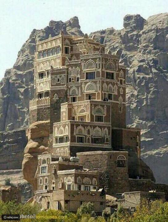 دار الحجر.. قصر العجائب في اليمن