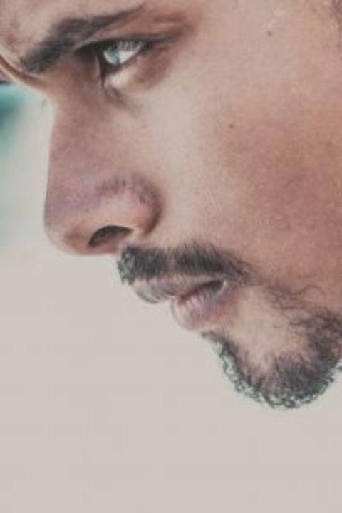 لماذا زوجي بعيد عني عاطفياً وجنسياً