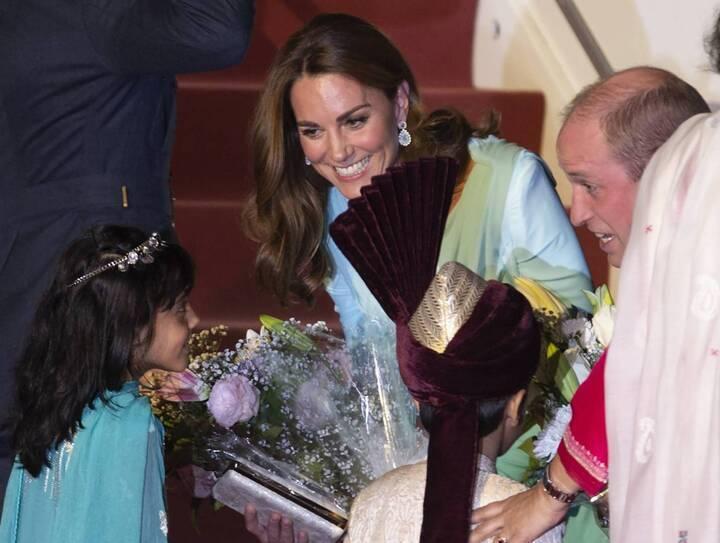 كيت ميدلتون في باكستان: تحية للبلد المضيف من خلال ملابسها!