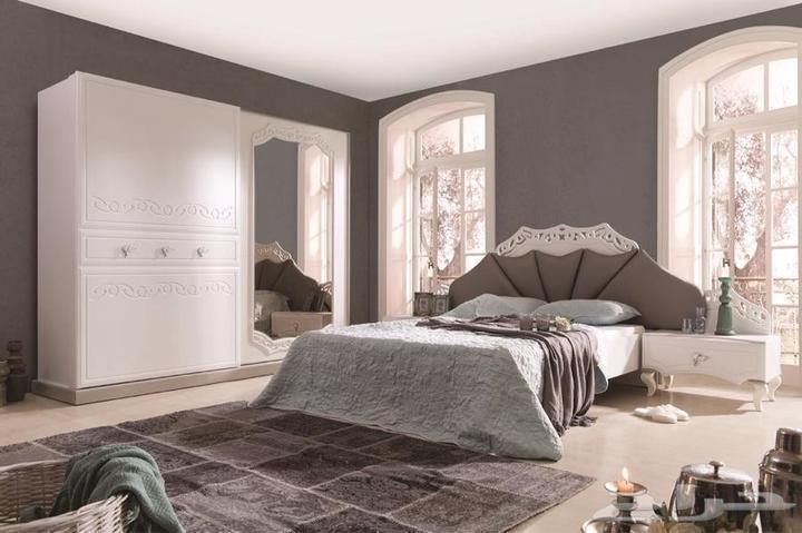غرف نوم للعرسان جو رومانسي وديكور يعكس ذوق مشترك