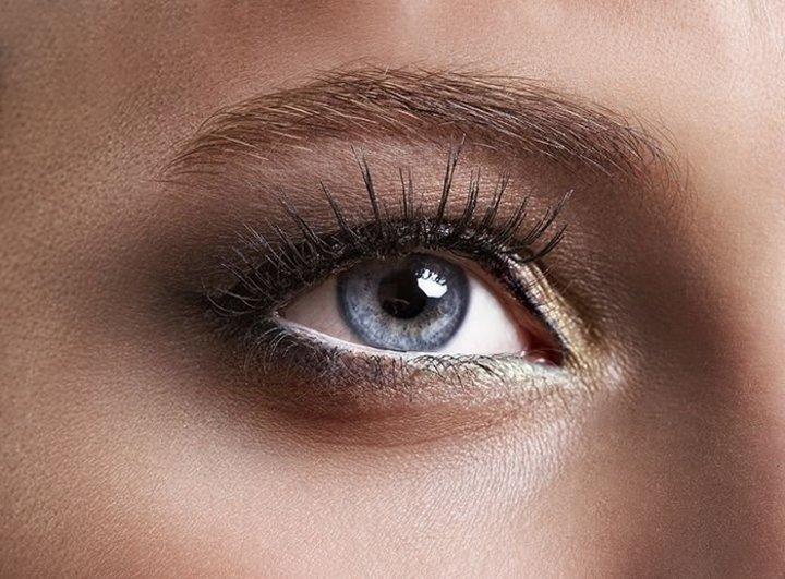 كيفية تطبيق مكياج للعيون الناعسة بالخطوات
