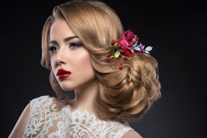 طرق علاج الشعر المتقصف والهايش للعروس قبل الزفاف