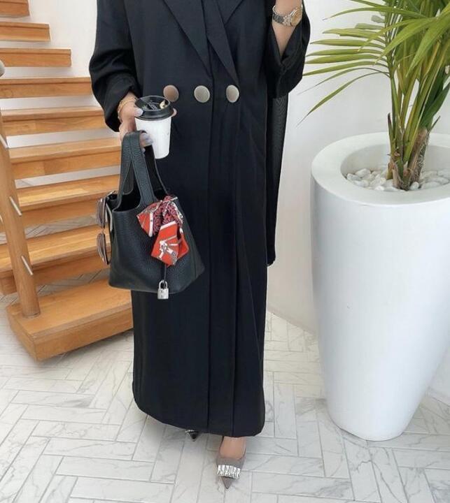 عبايات خريف 2019 من مدونات الموضة الخليجيات