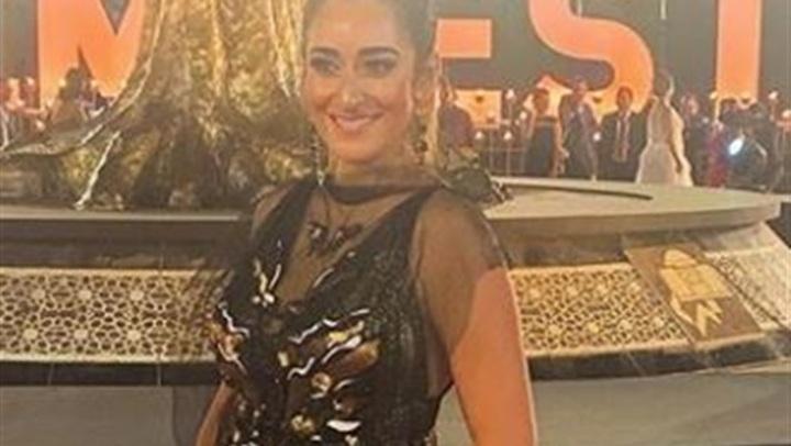 بـ إطلالة محتشمة.. أمينة خليل تتألق بفستان جلد في افتتاح مهرجان القاهرة السينمائي