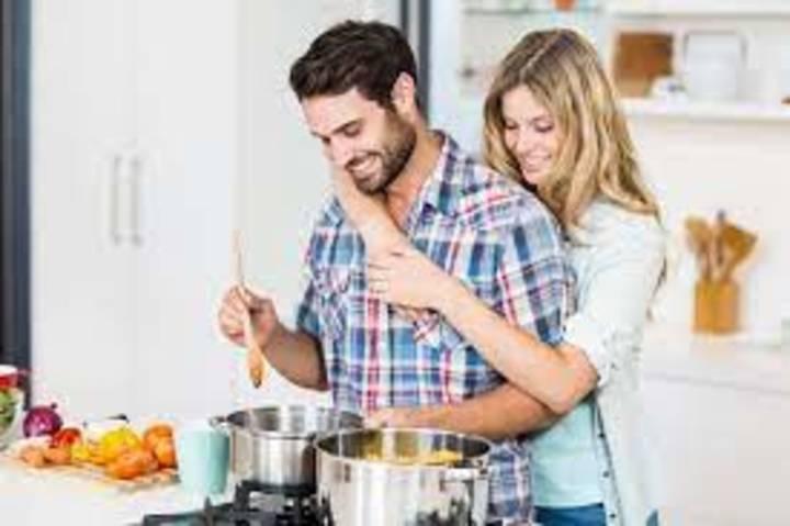 ماذا يحدث لجسمكِ بعد اول يوم زواج؟