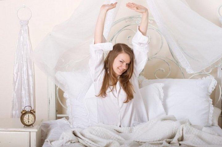 دراسة استيقاظ النساء مبكرا يقيهن من السرطان