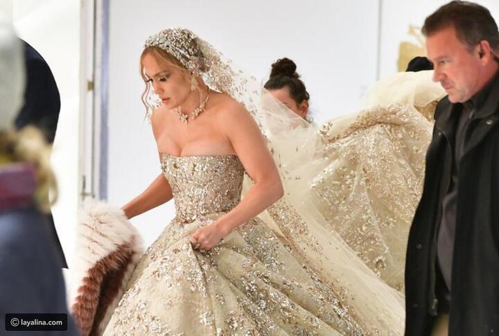 جنفير لوبيز تخطف الأنظار بفستان زفاف من تصميم زهير مراد