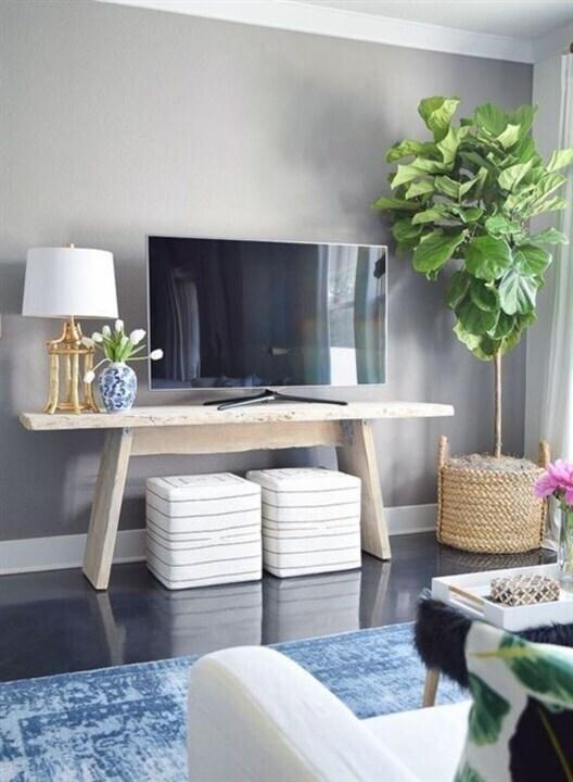 الديكورات الخشبية... من أجمل ما يمكن أن تختاريه لديكور التلفزيون