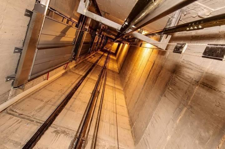هذا ما يمكنكم فعله عند سقوط المصعد لتفادي الإصابات الخطرة... لم تفكروا بهذا أبداً
