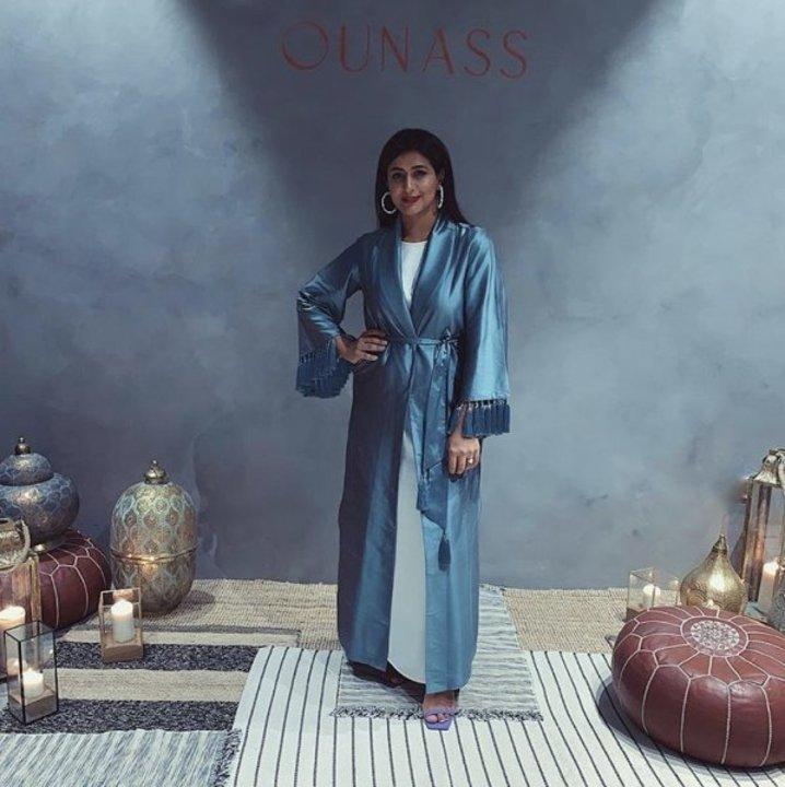 اطلالات تقليدية بفخامة الألوان بوحي من ستايل هند بالجافلة