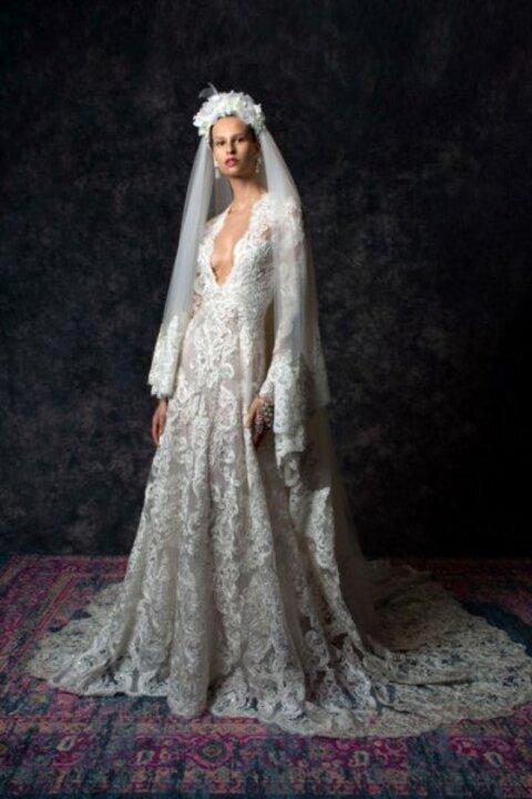 فساتين زفاف بذيل طويل من اسبوع الموضة العرائسي لخريف وشتاء 2020