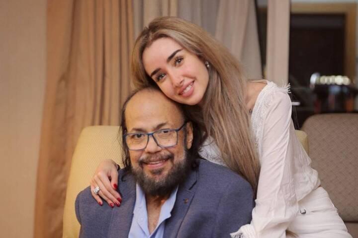 بعد ظهوره الأخير في حفل زفافها... هنا الزاهد في جنازة طلعت زكريا (صور وفيديو)
