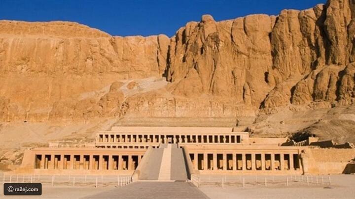 لعشاق القفز بالمظلات: حانت فرصتك لممارسة هوايتك فوق المعابد الفرعونية