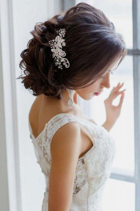 احدث صور تسريحات شعر رومانسية للعروس