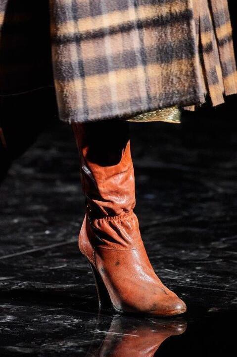 موديلات أحذية شتوية موضة 2020 بحسب طولك