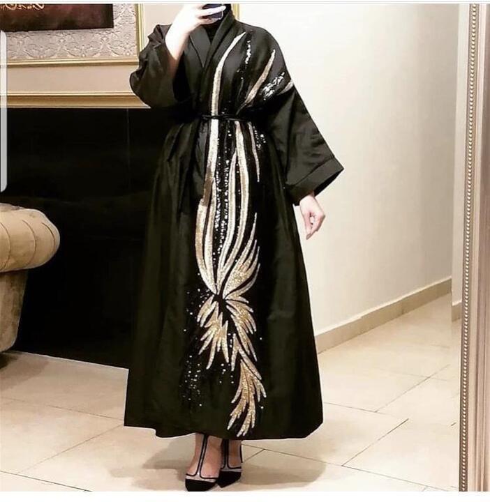 أزياء عبايات ستان شتوية فخمة