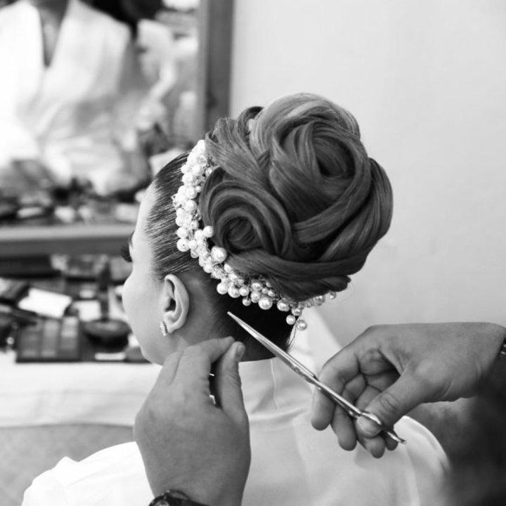 صور تسريحات شعر ملكية للعروس في يوم الزفاف