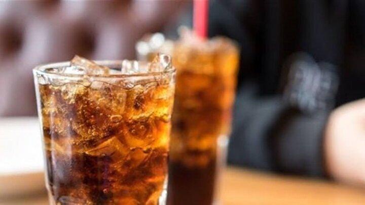 تجنب أضرارها .. 3 تعليمات لتناول المشروبات الغازية بأمان