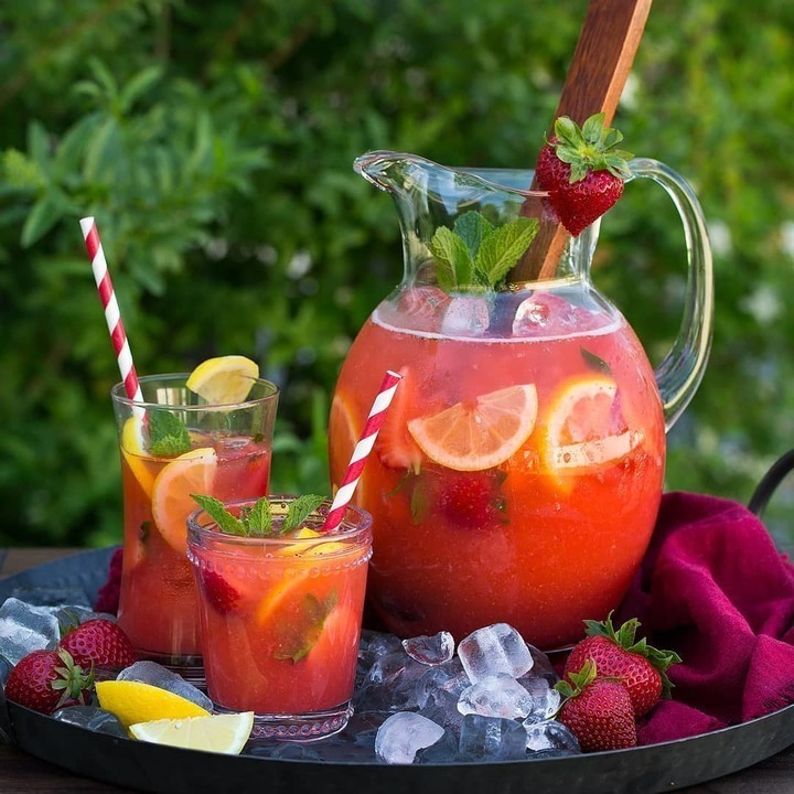 مشروب الفراولة والليمون لمحاربة جفاف بشرتك في رمضان