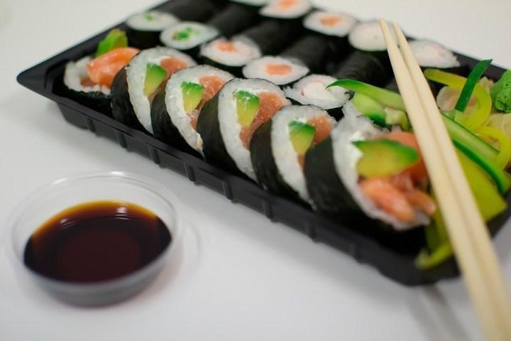 طريقة إعداد السوشي بالمنزل