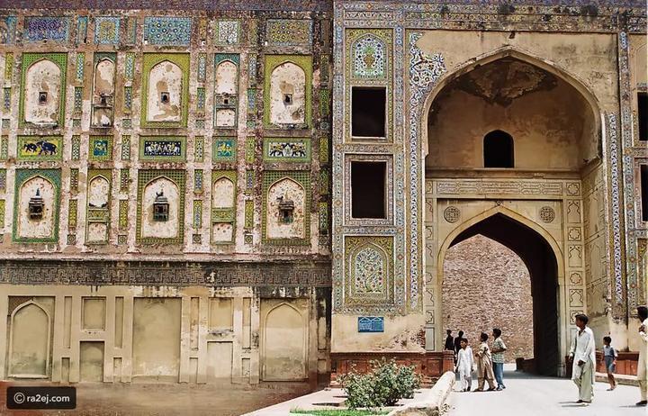 سور لم تسمع به من قبل: فسيفساء مدهشة مخبأة في قلعة لاهور الباكستانية