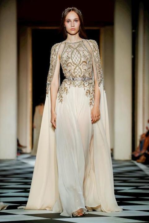 موديلات فساتين خطوبة لبنانية للعروس القصيرة