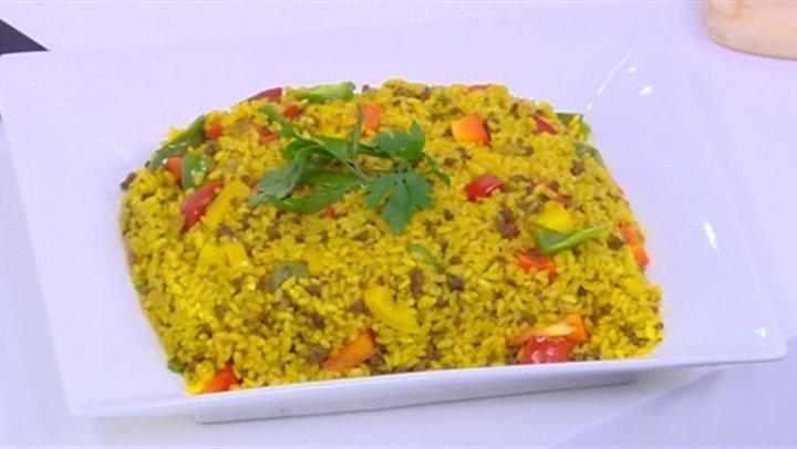 طريقة عمل أرز أصفر باللحمة المفرومة