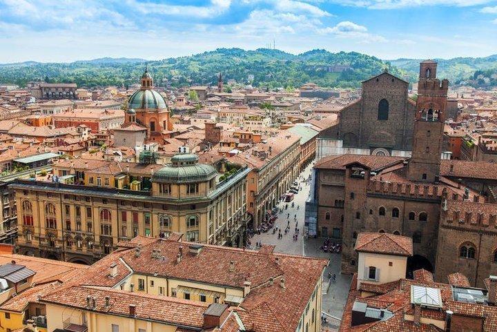 السفر إلى ايطاليا: بولونيا وجهة الذواقة
