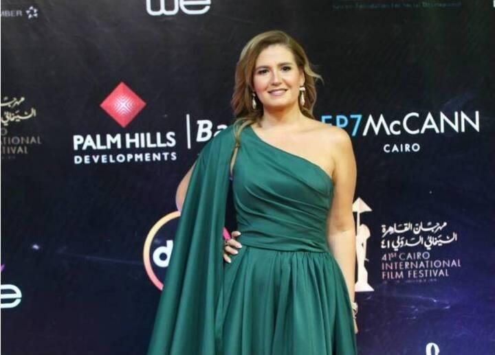 مصممة أزياء تتهم هنا شيحة بسرقة تصميمها في إطلالتها بمهرجان القاهرة السينمائي