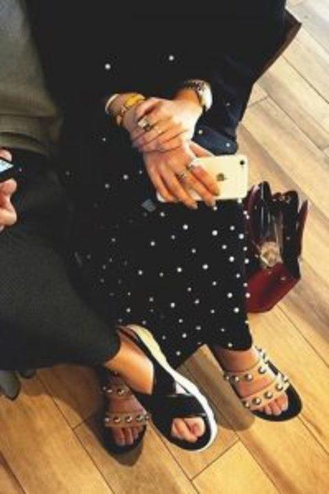 أي حذاء يناسب عبايتي؟